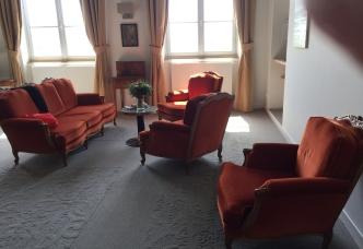 hotel-suite.jpg